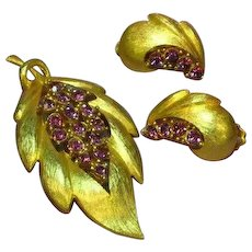 J.J. Signed Designer Rhinestones Raspberry Purple Pin Earrings Set Demi Parure