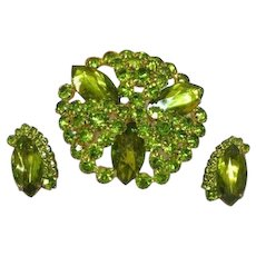 Regency Unsigned Olivine Green Rhinestones Sensational Large Pin and Earrings Set Demi Parure