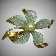 Large Golden Glittery Flower Faux Pearl Pin Brooch