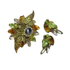 D&E Designer Quality Dimensional Rhinestone Vintage Brooch  Earrings Set Demi Parure