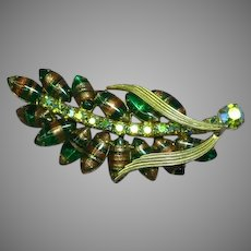 Fabulous JULIANA  D&E Green Art Glass Rhinestone Estate Pin Brooch