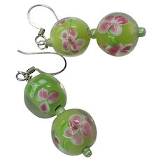 Gorgeous Lime Green Pink Floral Venetian Murano Glass Art Glass Beads Pierced Earrings