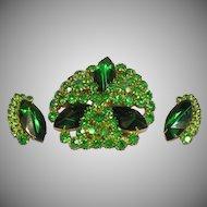 SALE!!  Emerald Green Rhinestone Sensational Large Pin and Earrings Demi Parure
