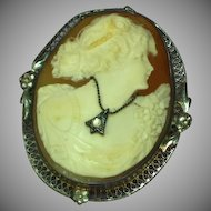 Cameo Beautiful en Habille Filigree Sterling Silver Frame Brooch Pin