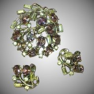 Crown Trifari Bright Beautiful Rhinestone Rhodium Plate Brooch Pin Earrings Set Demi Parure