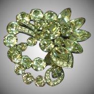 Exquisite Eisenberg Clear Crystal Vintage Rhinestones Brooch Pin
