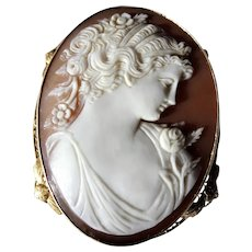 GORGEOUS large Antique Hand Carved Cameo Brooch Pendant, Lovely Lady Roses  Flowers,14 Kt Gold Mounting Filigree,Wide Gold Collar, Heirloom Cameo,Collectible Cameos
