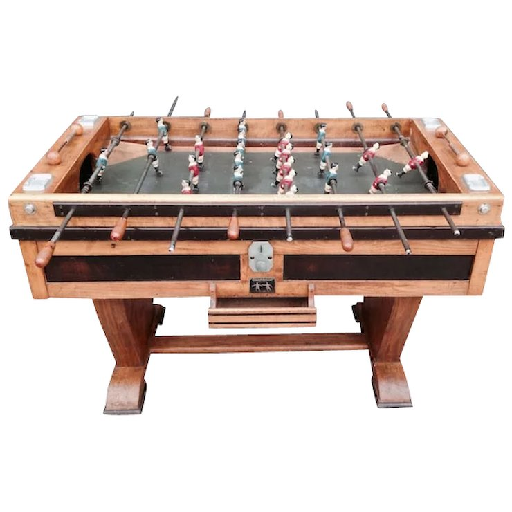 Merveilleux Vintage Soccer Game Table From France
