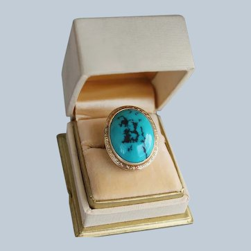 Late VIctorian 14 Karat Yellow Gold Ring with Large Impressive Persian Turquoise Genuine Stone
