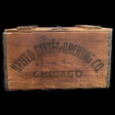 United States Brewing Chicago Beer Crate Wood Box w/ Hinged Lid & Latch.