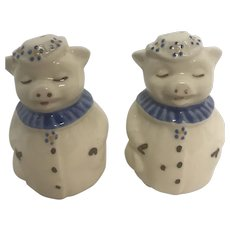 Vintage Shawnee Smiley Pig Blue Collar Salt and Pepper Shaker
