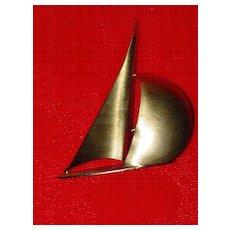 Vintage Beau Sterling Sailboat Pin