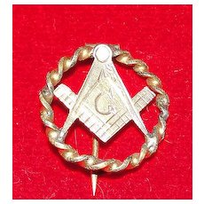Early Gold Plated Masonic Pin - C Clasp