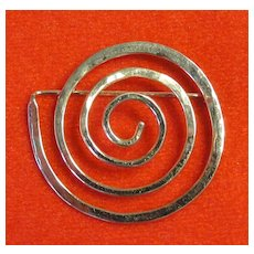 Ed Levin Modernist 14K Hammerred Gold Pin