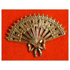 Vintage 1940s Lang Sterling Silver Repousse Victorian Style Fan Brooch