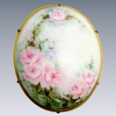 Stunning Ladies Hand Painted Porcelain Brooch