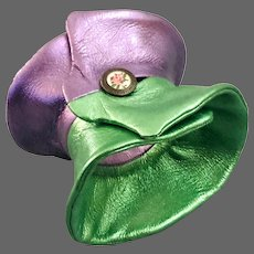 Elegant bold violet green slouchy cloche pattern leather cuff creative jewelry hand tailored genuine leather bracelet
