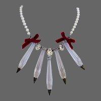 Vintage chandelier crystal pendant contemporary pearl necklace. High-end necklace design.