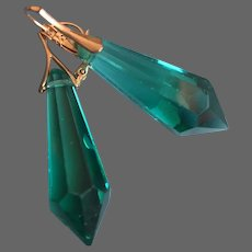 Emerald green vintage chandelier crystal Glass Icicle prism U Drop earrings hypoallergenic gold-plated lever back clasp romantic contemporary jewelry design upscale fashion