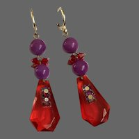 Feminine drop earrings red purple Swarovski crystals old cut-glass red-magenta beads gold-plated lever back clasps romantic contemporary jewelry design upscale