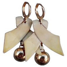 Vintage pearl-yellow enamel tie ribbon gold plated upcycled earrings fashion jewelry design