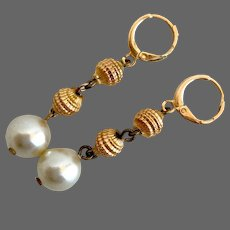 Vintage golden glass beads Majorca pearls earrings hypoallergenic gold-plated lever back clasp fashion jewelry feminine design.