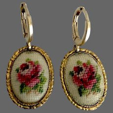 Vintage flower cameo embroidered on a white net set in gold tone metal oval bezel gold plated hypoallergenic lever back clasp flea market jewelry