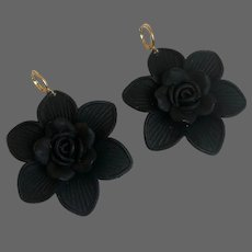 Black rose vintage flower earrings elegant cool old plastic jewelry gold plated lever back clasp
