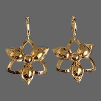 Vintage gold-plated flower earrings lever back clasp upcycled flea market jewelry