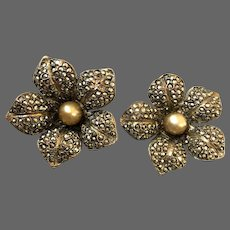 Vintage silver pearl daffodil flower with sparkling marcasite gemstones clip-on earrings exceptional Jaffa flea market jewelry