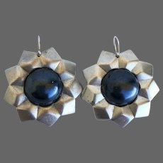 Vintage earrings faceted metal nonagon silver gray matte star gunmetal gray faux pearl cabochon flea market jewelry design