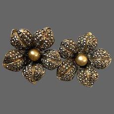 Vintage dark gray marcasite yellow pearl flower clip-on earrings silver plated flea market jewelry