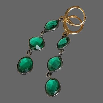 Vintage ocean green 3 faceted crystal dangle earrings gold plated lever back clasp dainty flea market jewelry