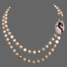 Feminine portrait cameo silver pendant fresh water pearls necklace