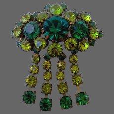 Glittering crystal vintage brooch elegant green and champagne color Czech flea market jewelry.