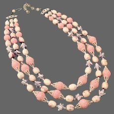 Three strand violet-pink vintage bead necklace flea market jewelry