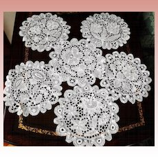 "6 White Tape Needle Lace Round Doily, Pansy, Daisy, Tulips, Flowers 7 "" All Different"