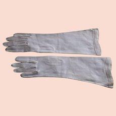 1930-1940 White Elegant Art Deco Gloves