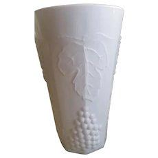 Vintage Indiana Milk Glass Tumblers