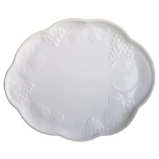Vintage Indiana Milk Glass Party Plates
