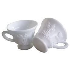 Vintage Indiana Milk Glass Cups