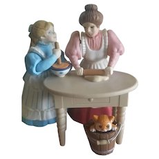 Vintage Mother & Daughter Music Box