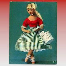 Poupées de Peynet 1962 Oversized Unused Postcard of Doll with Paris Hatbox