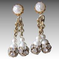 CASTLECLIFF- fabulous vintage clip earrings