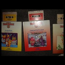 "Teddy Ruxpin Book and Tape ""Tweeg and the Bounders"""