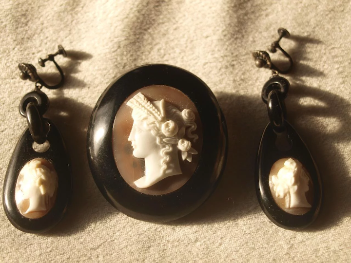 a1f7f53f7 Victorian Jet Cameo Brooch And Earrings Set : The Gervais Collection | Ruby  Lane