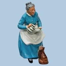 """Vintage Royal Doulton """" The Favourite """" China Figurine Old Woman and Pet Cat Golden Years Series"""