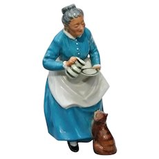 "Vintage Royal Doulton "" The Favourite "" China Figurine Old Woman and Pet Cat Golden Years Series"