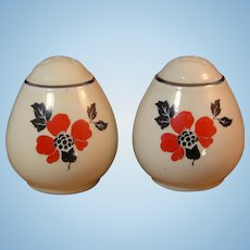 "Vintage Pair Hall China "" Red Poppy "" Teardrop Salt & Pepper Shakers Set"