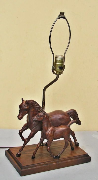 Wonderful Breyer Horse Woodgrain Mare & Colt Table Lamp Vintage 1960s  IV69